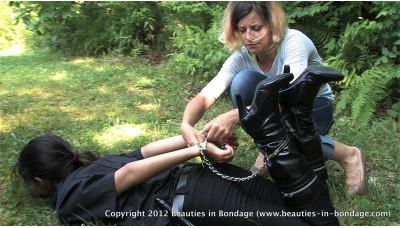 Just Doing Her Job (WMV) - Jasmine St James & Beverly Bacci