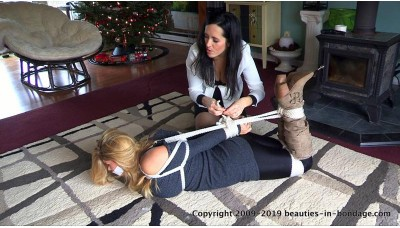 Moment Of Reckoning (MP4) - Dixie Comet & Carissa Montgomery